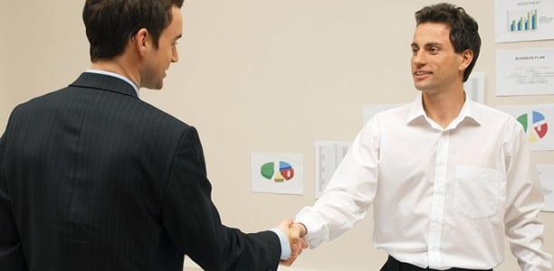 """Evite o """"excesso"""" de relacionamento pessoal do seu funcionário com o seu cliente"""